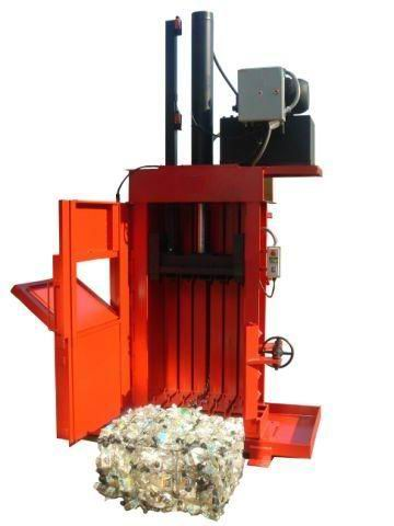 Super High Density 30 Inch Baler with Door Open